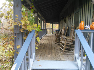 IMG_20151031_094050_cabin_porch